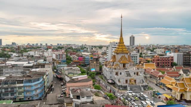 Time-lapse: Trimitr temple in Bangkok Thailand sunset video