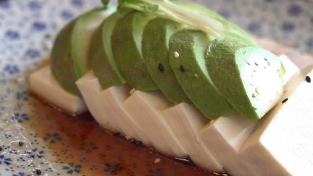 Tofu with avocado and sauce video