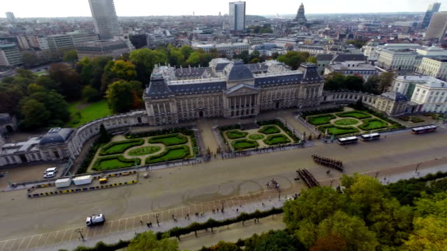 Tourist attraction in Brussels Royal Palace aerial view, parade. Beautiful aerial shot above Europe, culture and landscapes, camera pan dolly in the air. Drone flying above European land. Traveling sightseeing, tourist views of Belgium. video