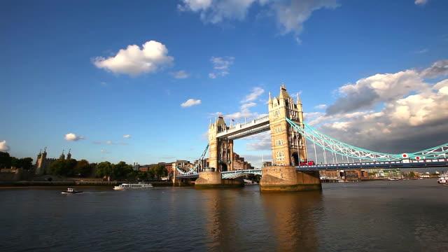 Tower bridge panning to financial district video