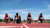 Track runners start race video