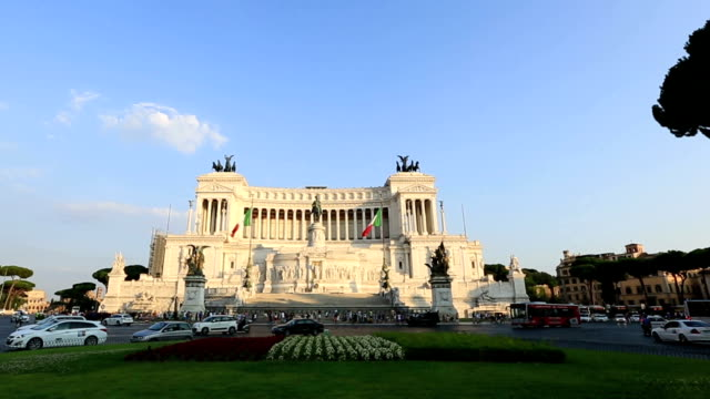 Tracking Shot Vittorio Emanuele Monument video