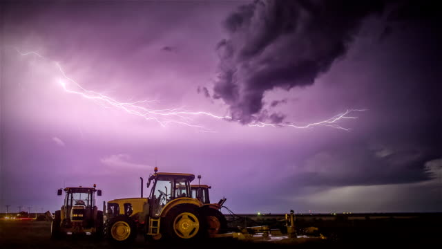 Tractor Storm video