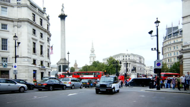 Traffic At London Trafalgar Square (4K/UHD to HD) video