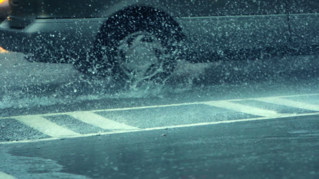 Traffic in Rain video