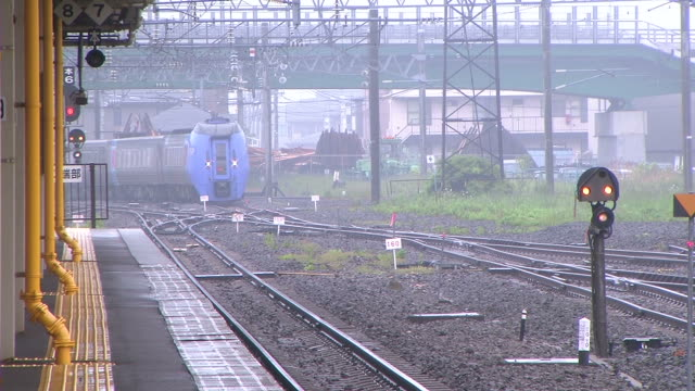 HD, NTSC: Train arriving at the station (video) video