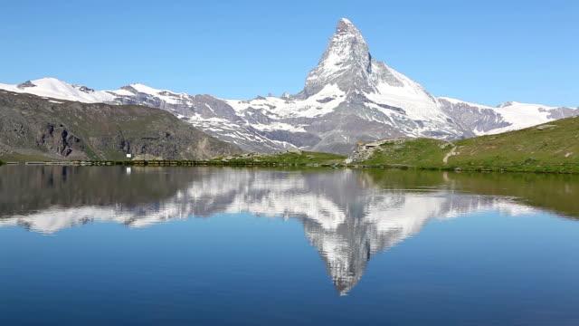 Tranquil view over the stellisee zermatt to the Matterhorn video