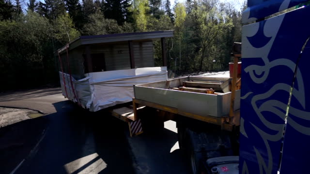 truck transports oversized cargo. building video