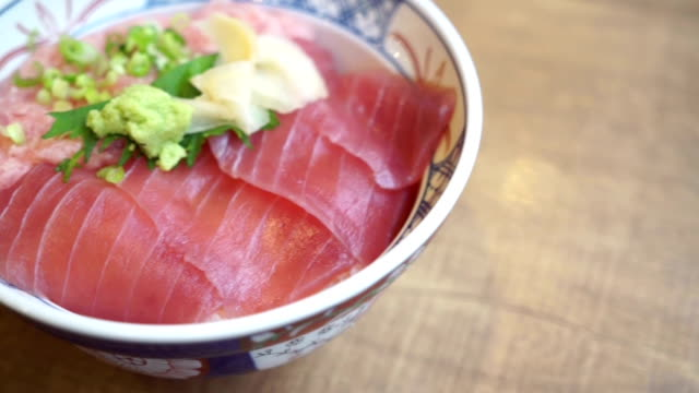 Tuna rice bowl video