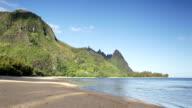 Tunnels Beach, Kauai, Hawaii video