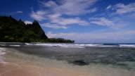 Tunnels Beach on Kauai, Hawaii video