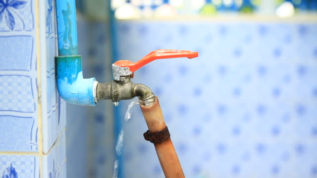 Turn off water and checking rubber tube video