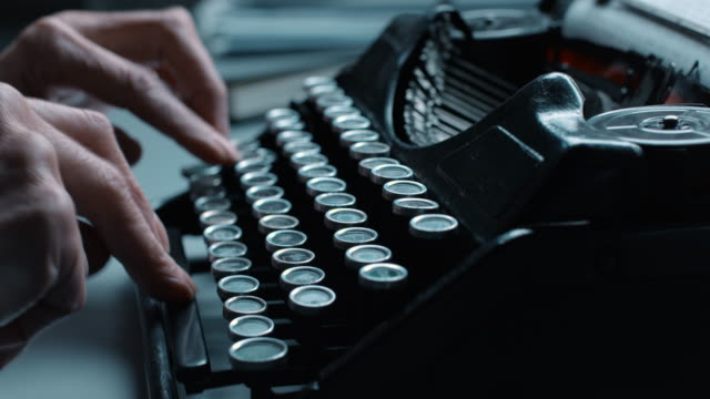 LD Typing in a hurry on old typewriter video