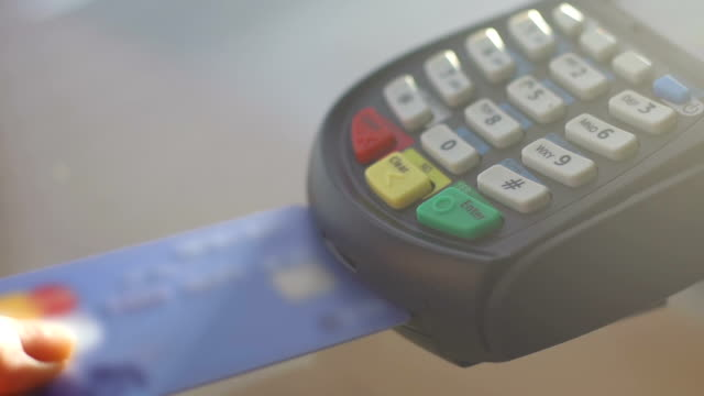 Using a credit card reader video