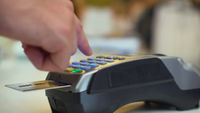 Using credit card reader,Close-up video