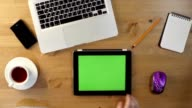 Using  Tablet PC with a Green Screen at the Desktop. video
