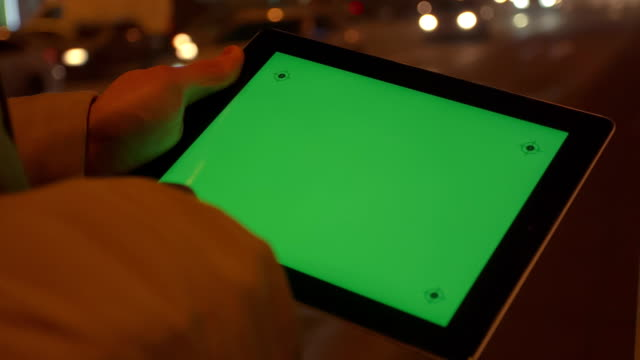Using Tablet Pc With Green Screen video