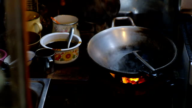 Using wok for cooking, Street food video