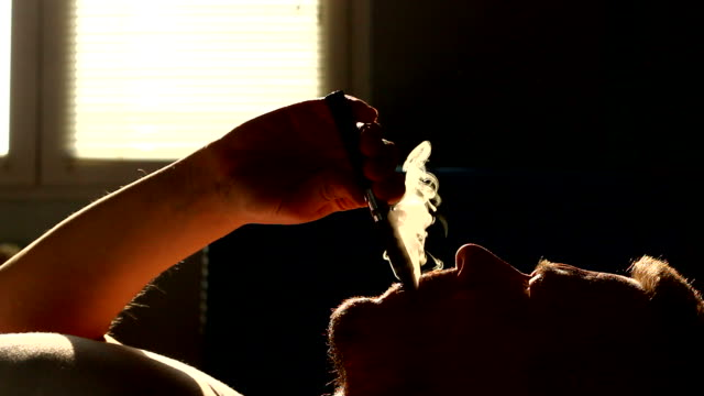 vaping e cigarette in the morning video