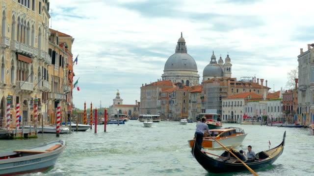 Venice gondolier ride video