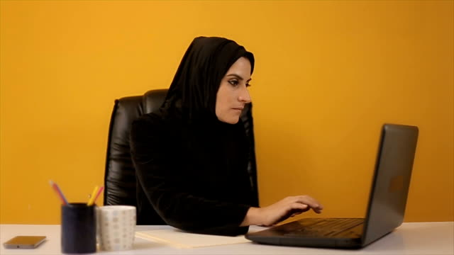 Very,very good business deal,Arab woman in the office video