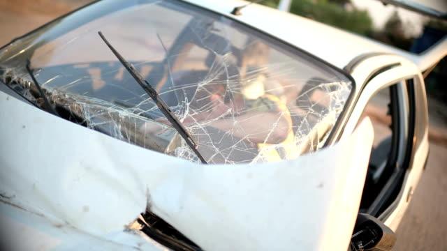 Victim in a car crash unconscious video