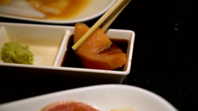 4K Video : Eating Salmon Sushi video