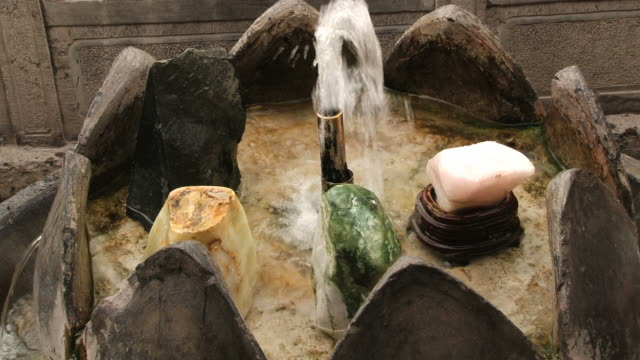 View to the hot spring water fountain at the Huaqing hot springs. video