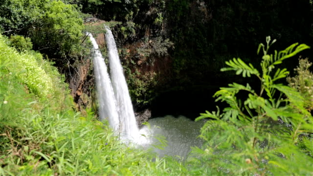 Wailua Falls, Kauai in Wailua River State Park, Hawaii video