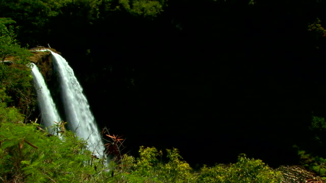 Wailua Falls waterfall in Kauai, Hawaii View 3 video