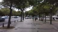Walking in the Avenue video