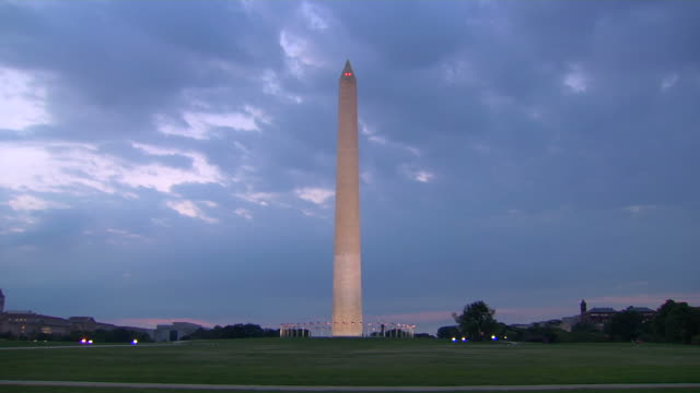 HD Washington Monument at Dawn LS_1 (1080/24P) video