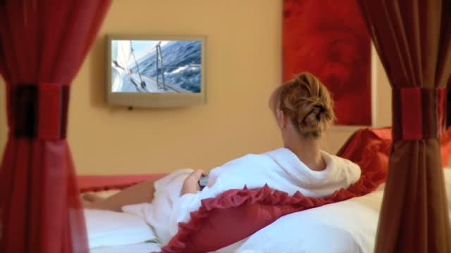 HD: Watching TV video