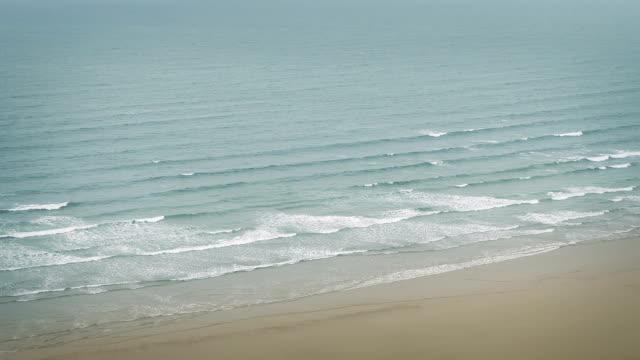 Waves Breaking On Shore Vista video