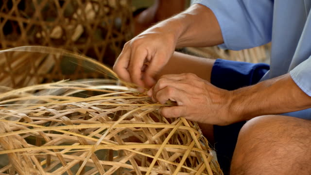 Weaving bamboo basket video