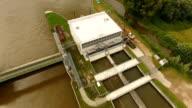 Weir and sluice, River Main - Wehr und Schleuse Kostheim video