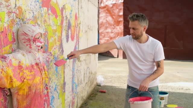 Weird Urban Street Art video