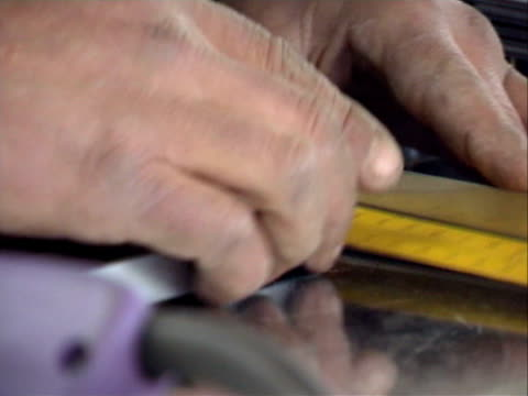 Welding operator - 2 video