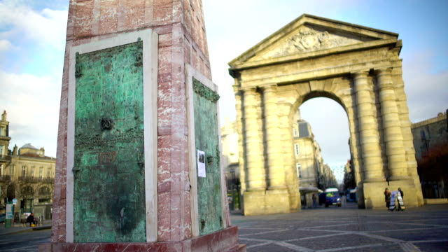 Winemaking monument and ancient arch at Place de la Victorie in Bordeaux, France video