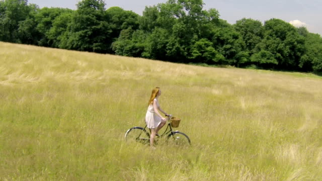 Woman country bike B video