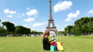 Woman shopping in Paris video