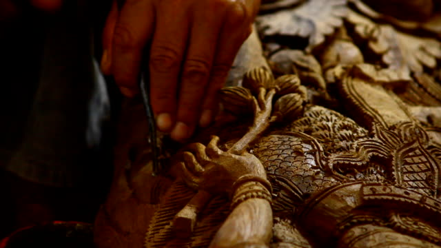 wood engravings, Thailand video