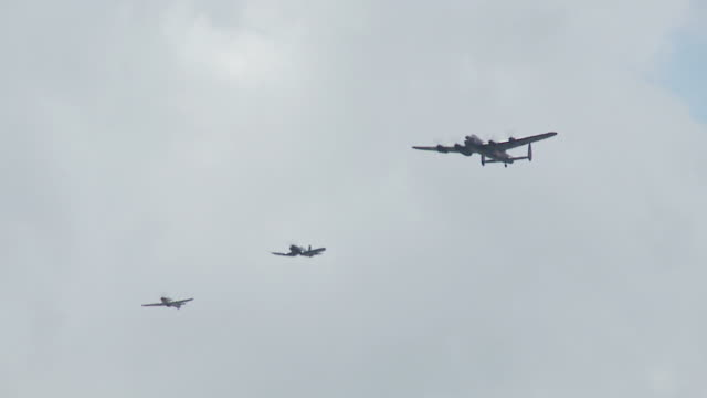 World War II Formation 24_2S video