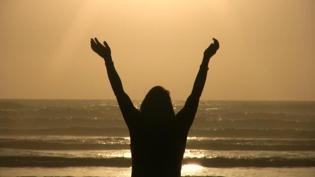 HD Worship on the Beach video