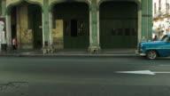 Yank tank stops on the street in Havana video