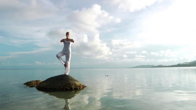 Yoga at the beach (HD 1080) video