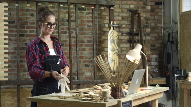 Young Pretty Hipster Girl Engaged in Handmade video