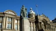 Zoom in to statue of Queen Victoria, Birmingham, England. video