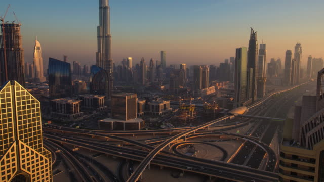 Zoom out time lapse in Dubai video
