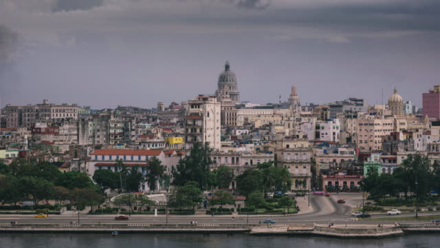 Zoom out time lapse video in Havana video
